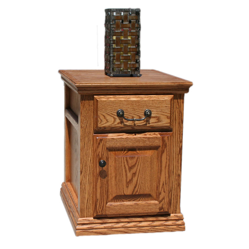 Traditional Oak End Table Barr S Furniture The Best