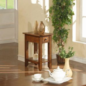 Zahara Chairside Table in Mission Oak