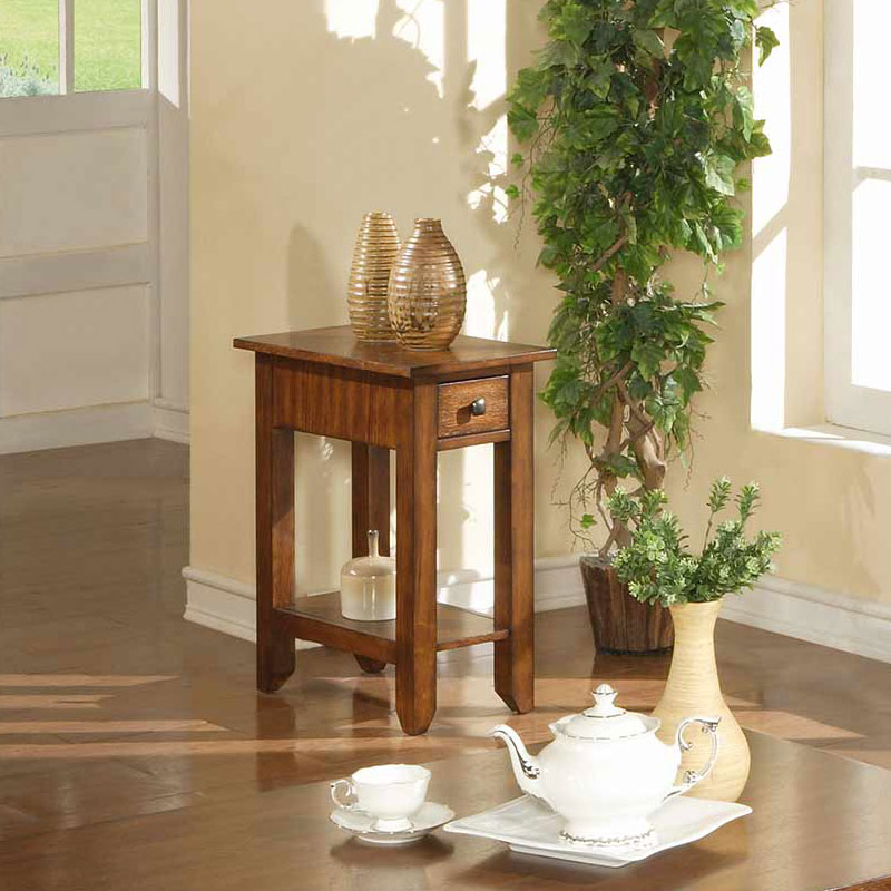 Zahara Chairside Table In Mission Oak Barr S Furniture